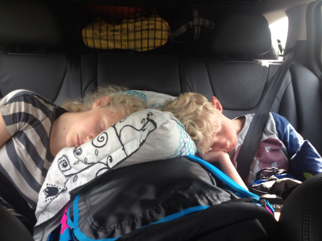 Der var stille på bagsædet - meget søvn skal indhentes